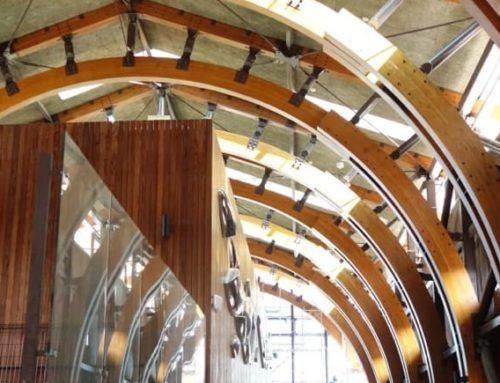 台灣現今尺度最大的國產結構用彎曲集成材建築-池上車站